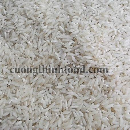 Gạo IR50404 có màu sắc tối, hạt gạo hơi gãy