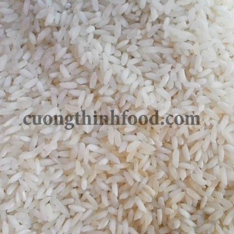 Gạo tài nguyên chợ đào có hình dáng hạt gạo ngắn, trắng đục, màu sắc không đồng đều