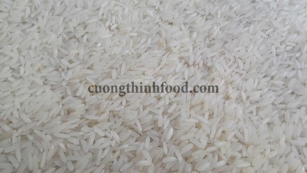 Gạo Jasmine thơm cho cơm dẻo mềm ngon cơm
